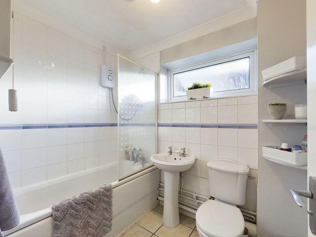 2 bed flat for sale in Broddick House, Brambleside 6