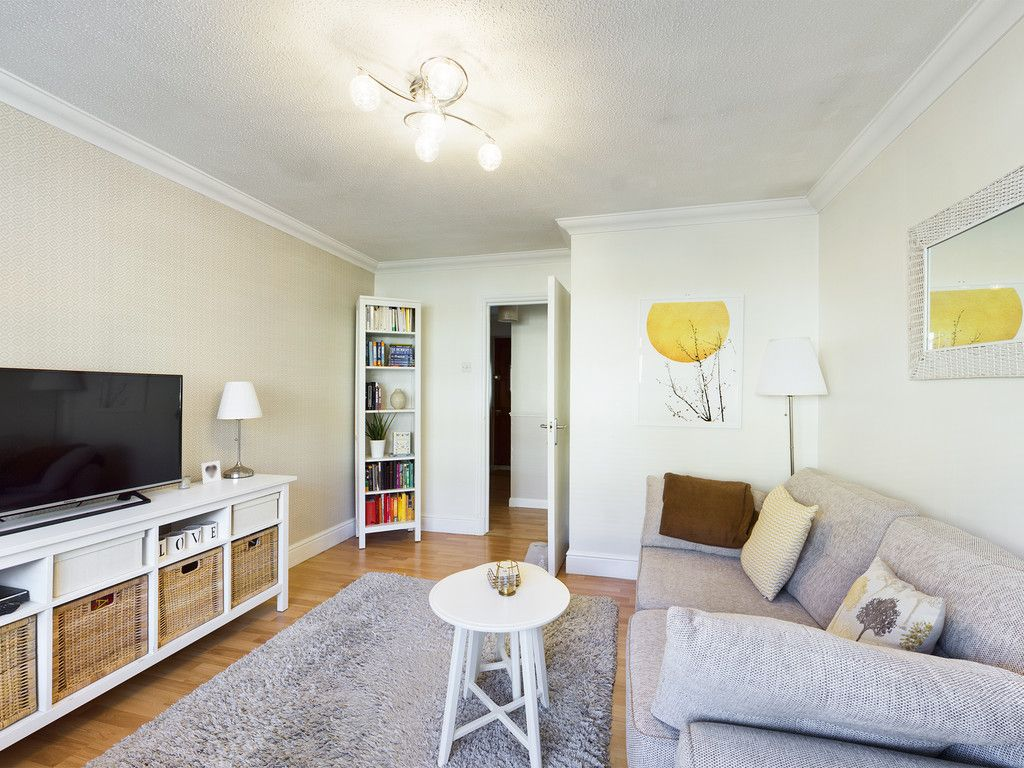 2 bed flat for sale in Broddick House, Brambleside  - Property Image 7