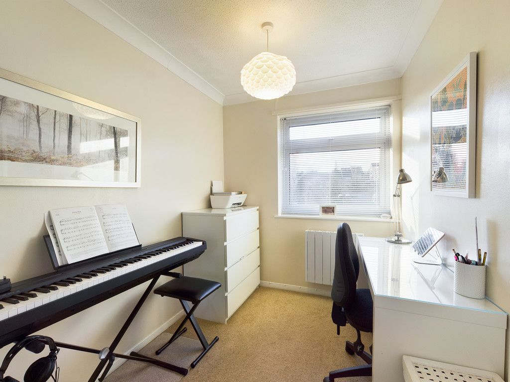 2 bed flat for sale in Broddick House, Brambleside  - Property Image 8