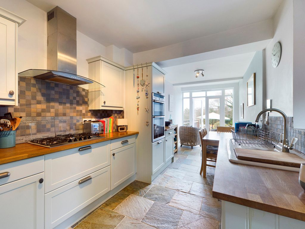 4 bed house for sale in The Common, Downley 5