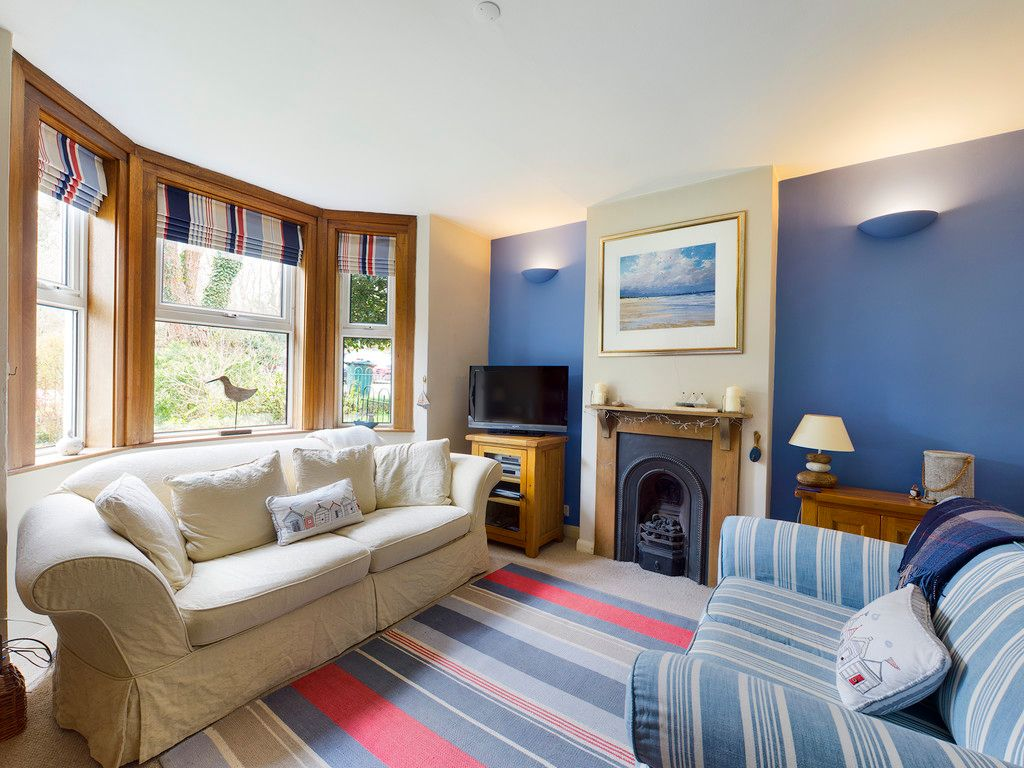 4 bed house for sale in The Common, Downley 9