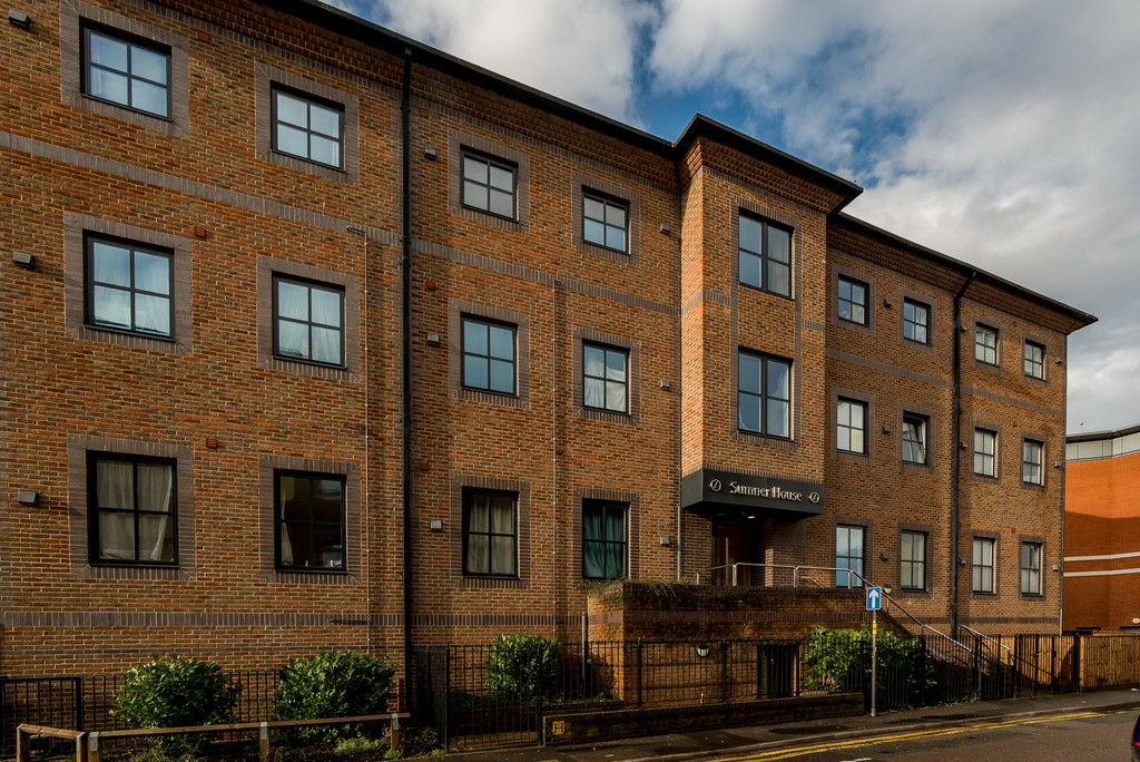 1 bed flat to rent in Mendy Street, High Wycombe, HP11
