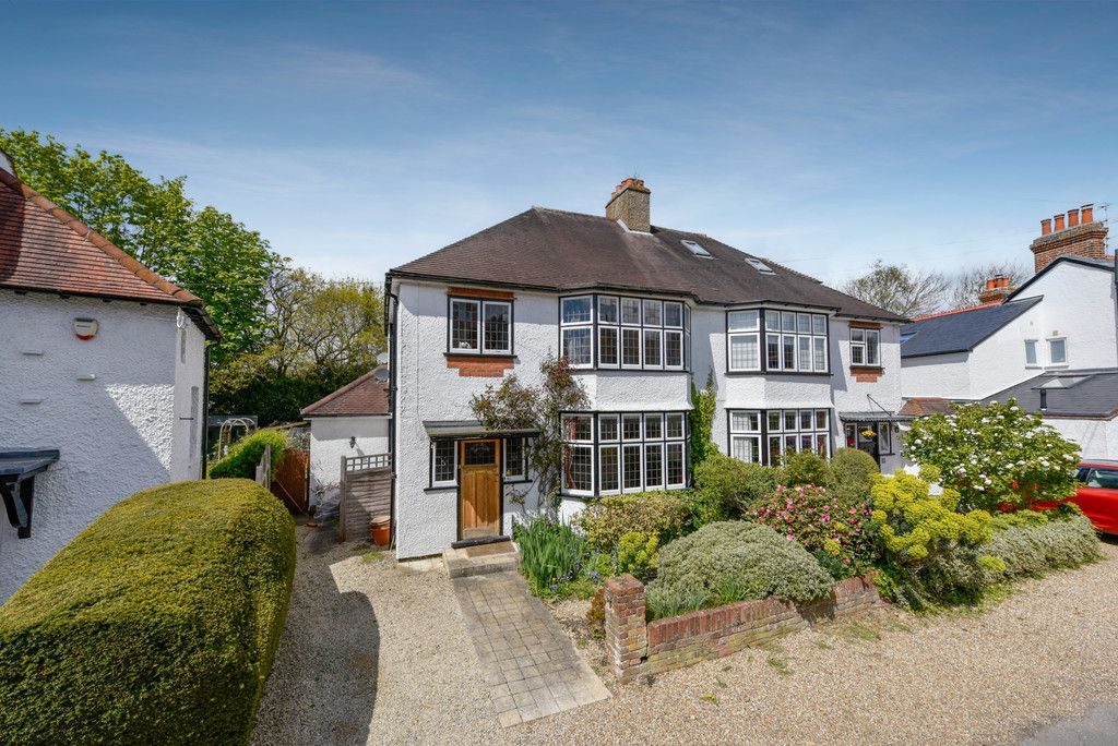 3 bed house for sale in The Queensway, Gerrards Cross - Property Image 1