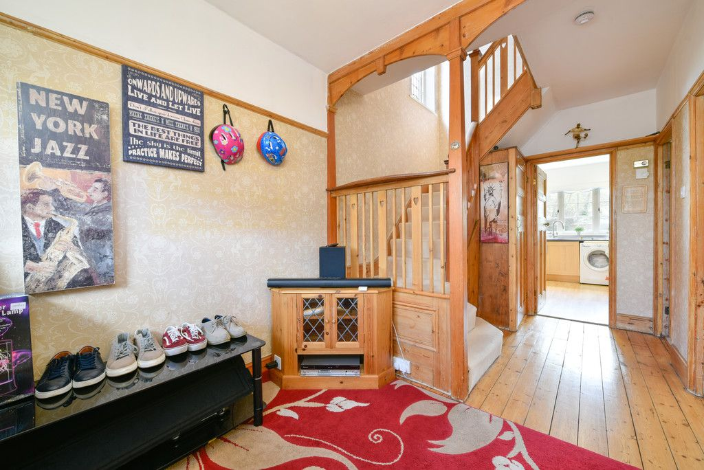 3 bed house for sale in The Queensway, Gerrards Cross  - Property Image 13
