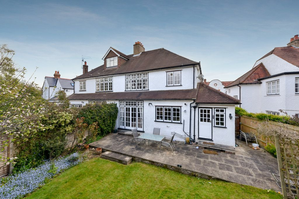 3 bed house for sale in The Queensway, Gerrards Cross  - Property Image 14