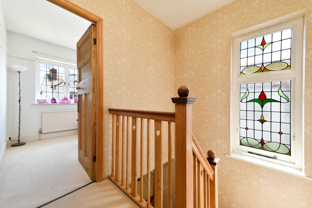 3 bed house for sale in The Queensway, Gerrards Cross  - Property Image 16