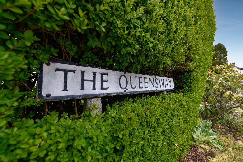 3 bed house for sale in The Queensway, Gerrards Cross  - Property Image 17