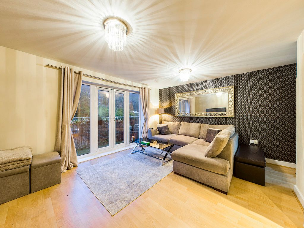 2 bed flat for sale in Micklefield Road, High Wycombe 2