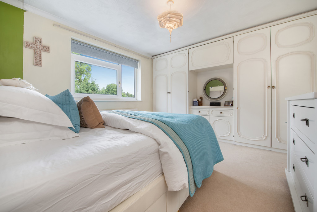 4 bed house for sale in Wyngrave Place, Beaconsfield  - Property Image 11