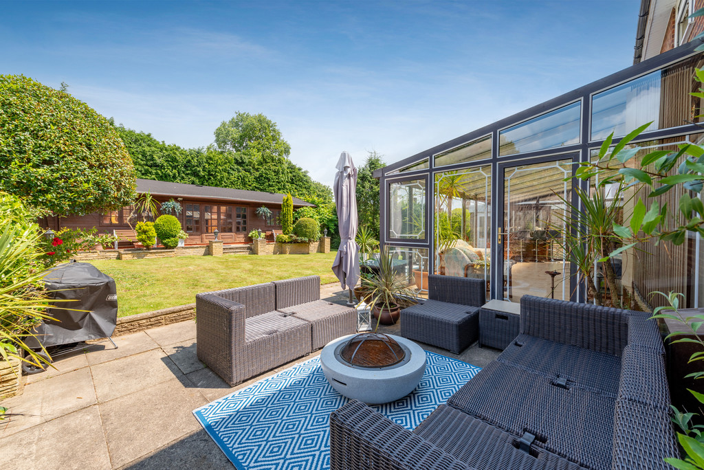 4 bed house for sale in Wyngrave Place, Beaconsfield  - Property Image 3