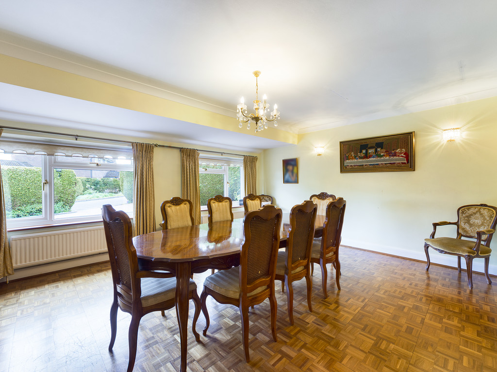 4 bed house for sale in Wyngrave Place, Beaconsfield 5