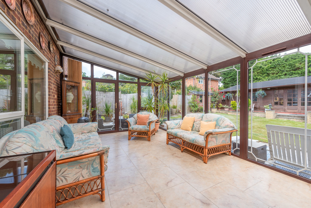 4 bed house for sale in Wyngrave Place, Beaconsfield 6