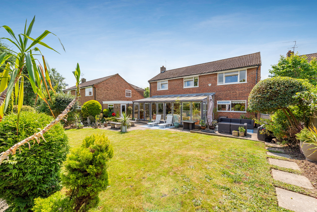 4 bed house for sale in Wyngrave Place, Beaconsfield 9
