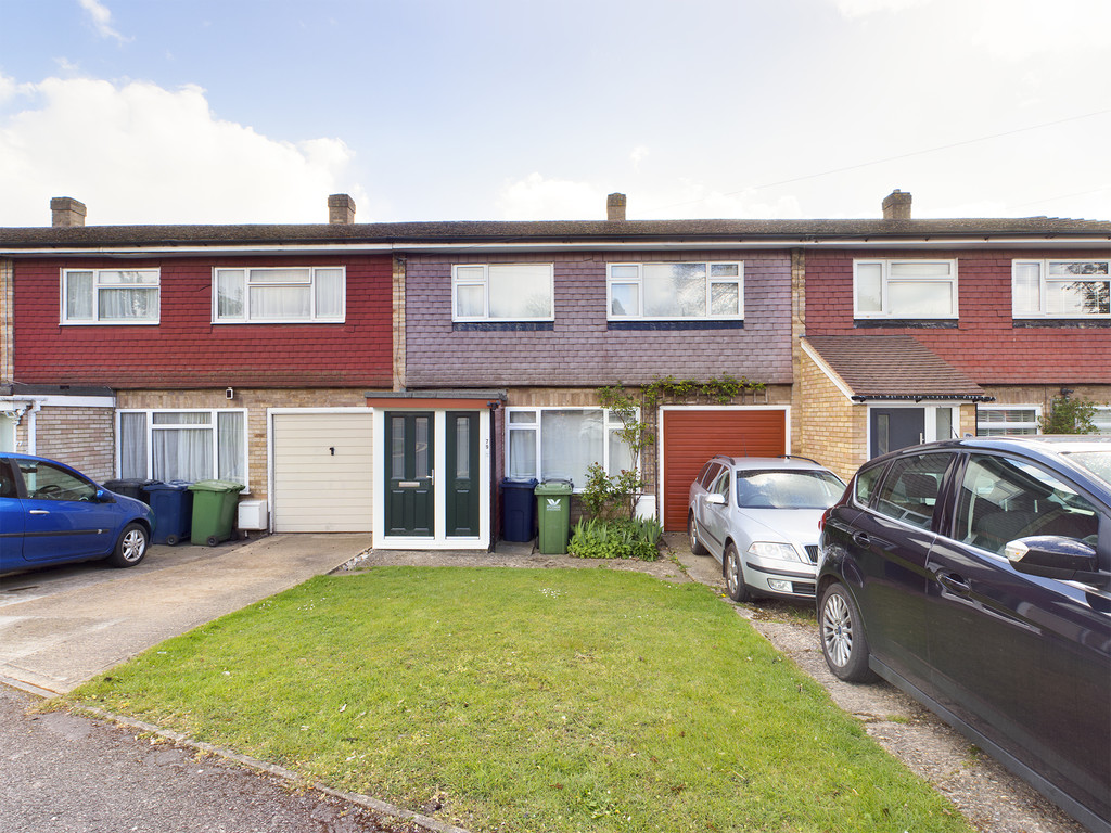 3 bed house for sale in Totteridge Drive, High Wycombe, HP13