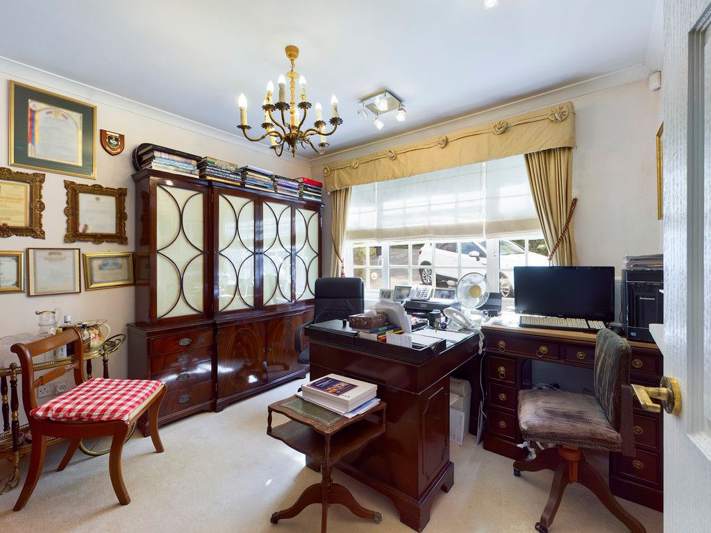 4 bed house for sale in Hammersley Lane, High Wycombe 17