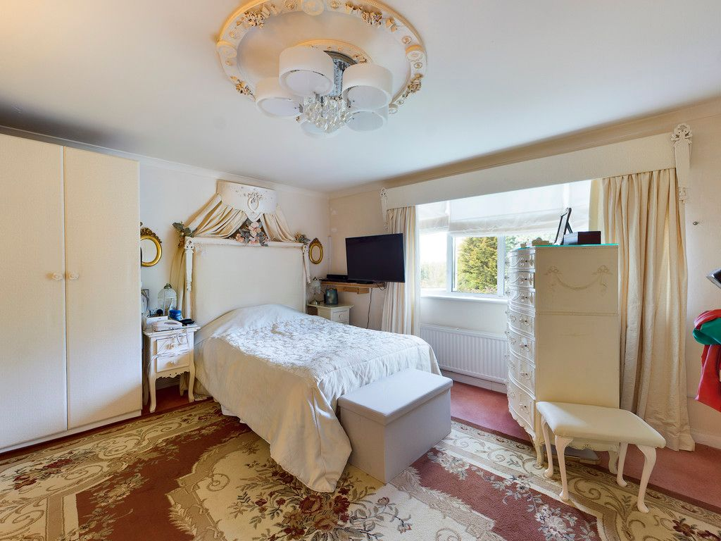 4 bed house for sale in Hammersley Lane, High Wycombe 9