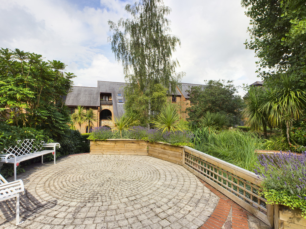 1 bed flat for sale in Dolphin Court, High Wycombe  - Property Image 12