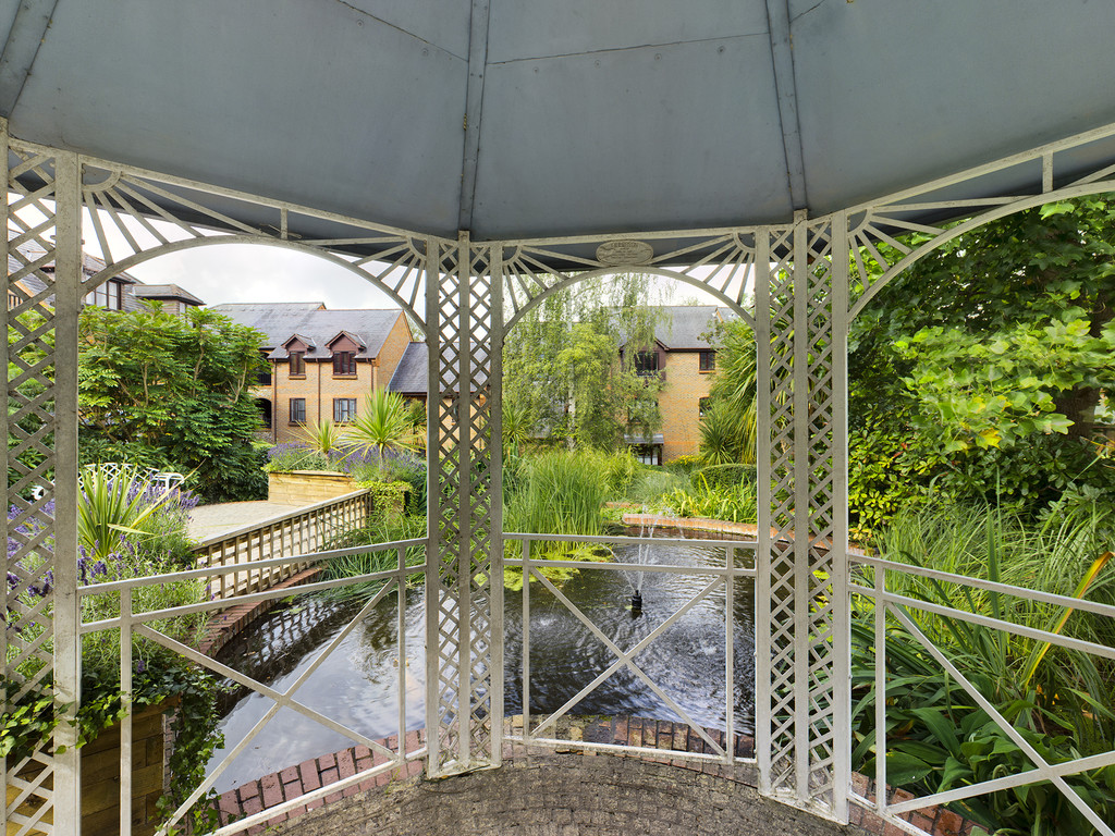 1 bed flat for sale in Dolphin Court, High Wycombe  - Property Image 5
