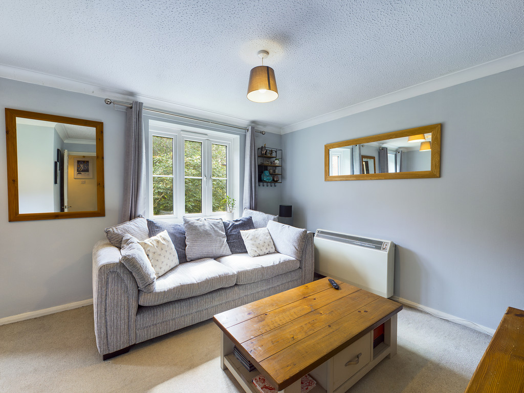 1 bed flat for sale in Dolphin Court, High Wycombe 8