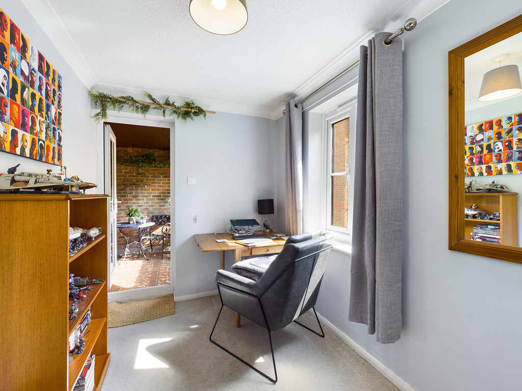 1 bed flat for sale in Dolphin Court, High Wycombe  - Property Image 10