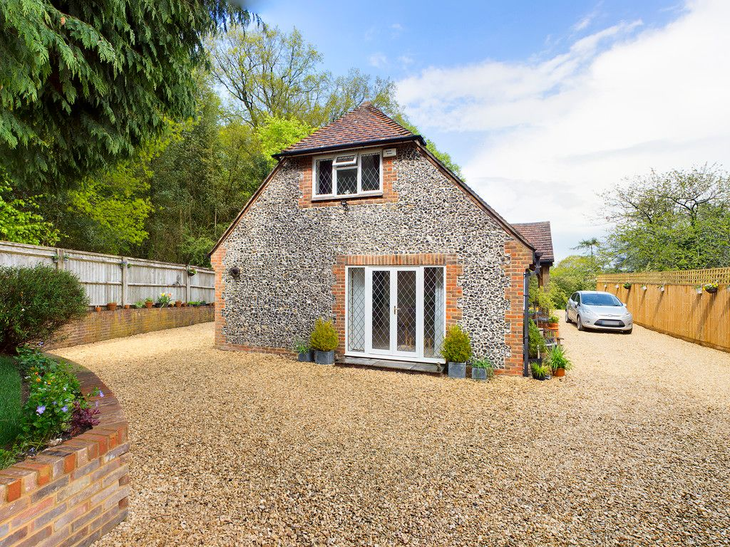 3 bed house for sale in Downley Common, Downley 10