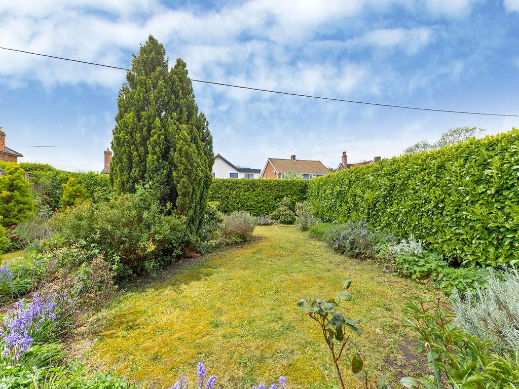 3 bed house for sale in Village Road, Coleshill, Amersham  - Property Image 2