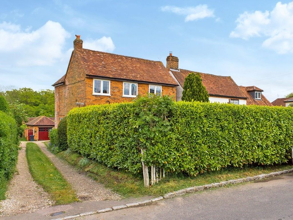 3 bed house for sale in Village Road, Coleshill, Amersham  - Property Image 12