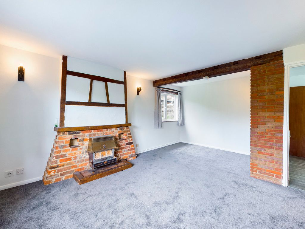 3 bed house for sale in Village Road, Coleshill, Amersham  - Property Image 5