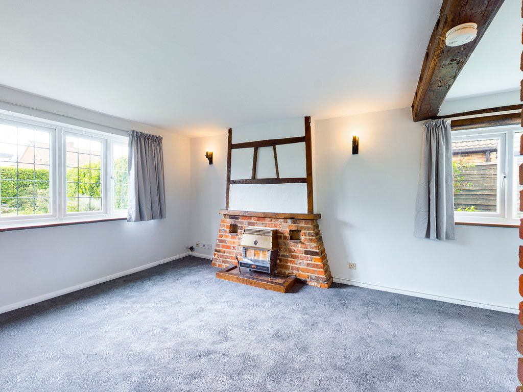 3 bed house for sale in Village Road, Coleshill, Amersham 9