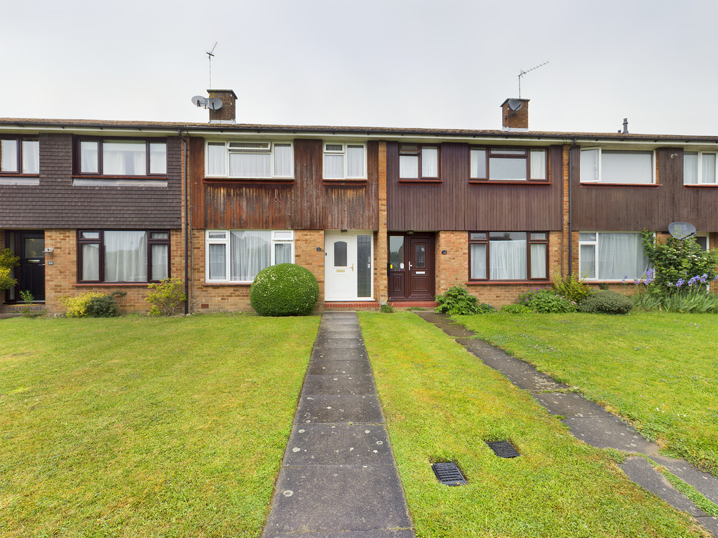 3 bed house for sale in Meadow Walk, Penn, High Wycombe, HP10