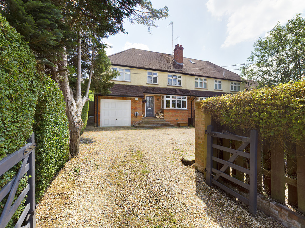 5 bed house for sale in Sawpit Hill, Hazlemere  - Property Image 1