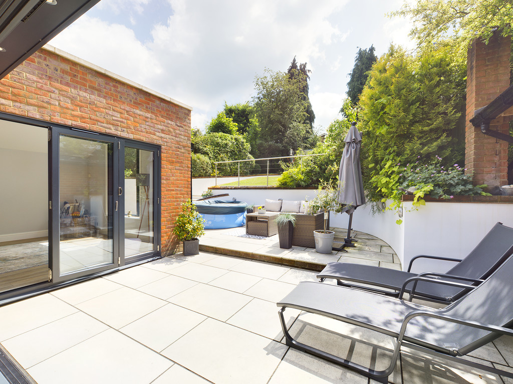 5 bed house for sale in Sawpit Hill, Hazlemere  - Property Image 14