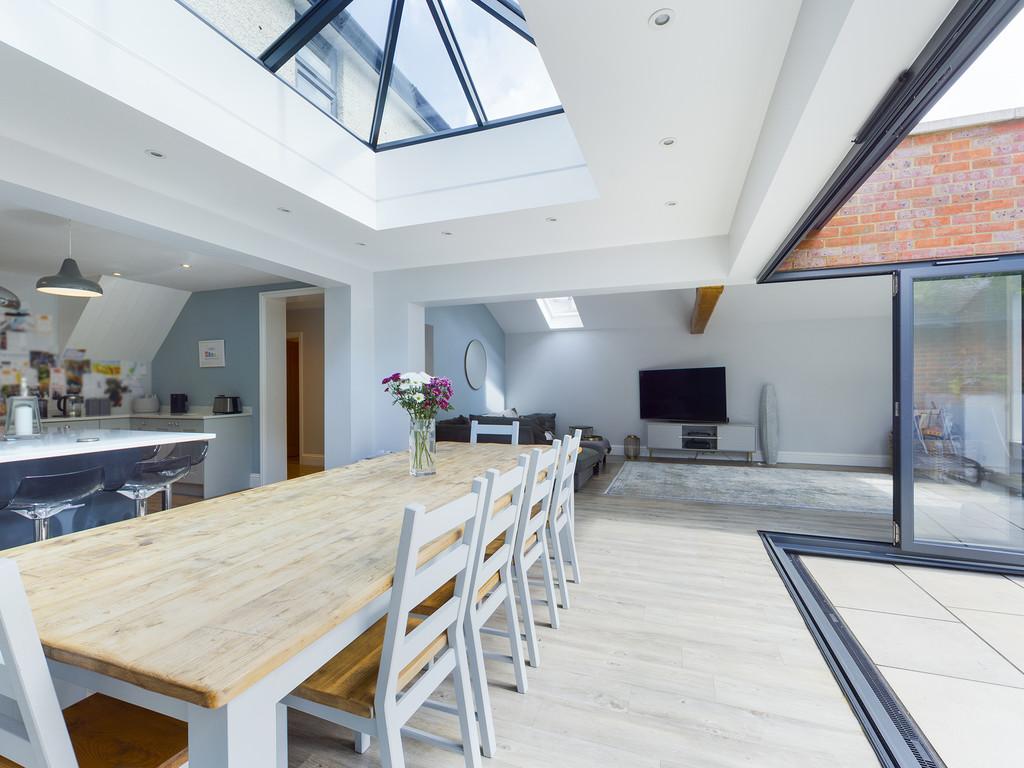 5 bed house for sale in Sawpit Hill, Hazlemere  - Property Image 15