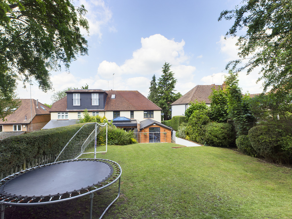 5 bed house for sale in Sawpit Hill, Hazlemere  - Property Image 16