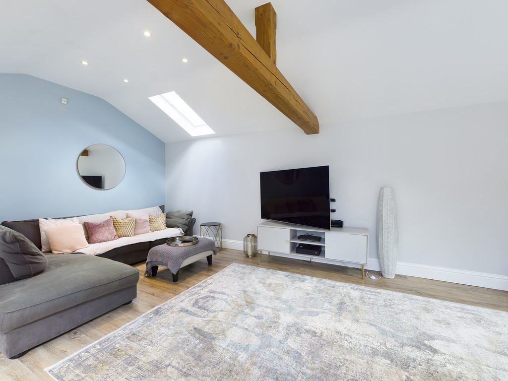 5 bed house for sale in Sawpit Hill, Hazlemere  - Property Image 17