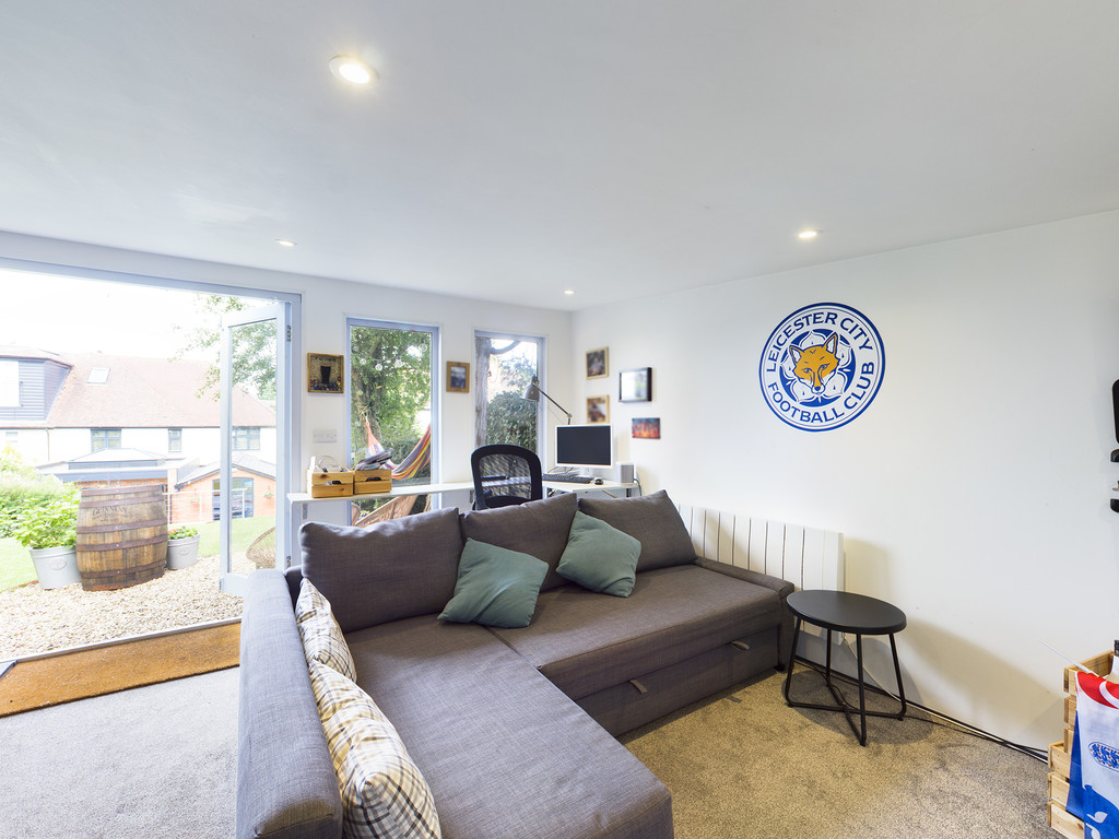 5 bed house for sale in Sawpit Hill, Hazlemere  - Property Image 18