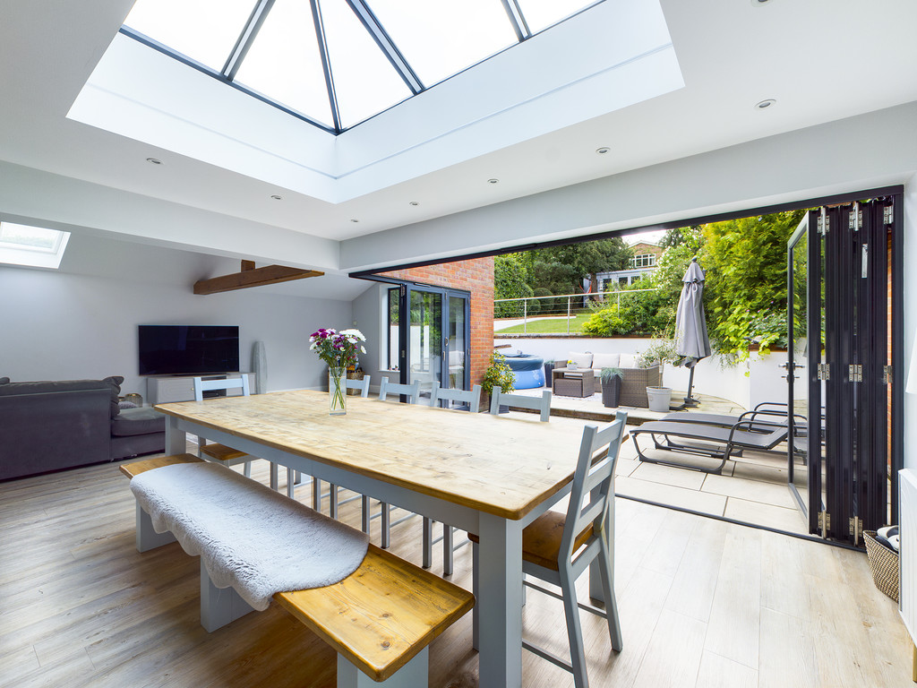 5 bed house for sale in Sawpit Hill, Hazlemere 4