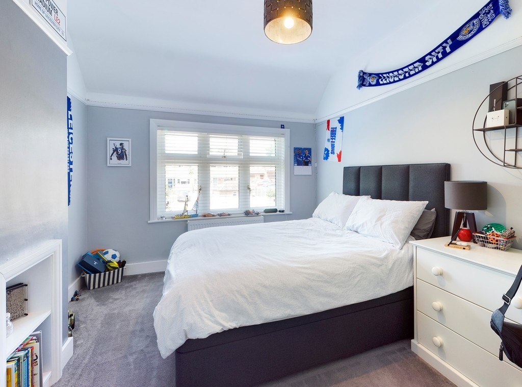 5 bed house for sale in Sawpit Hill, Hazlemere 7