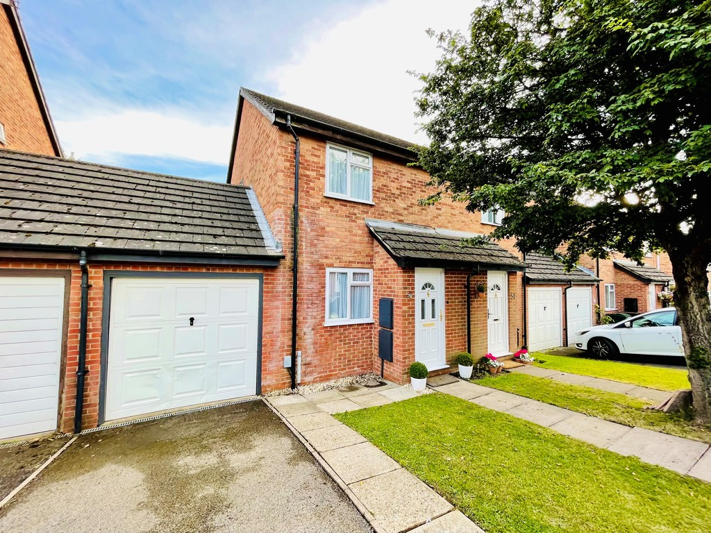 2 bed house for sale, HP11
