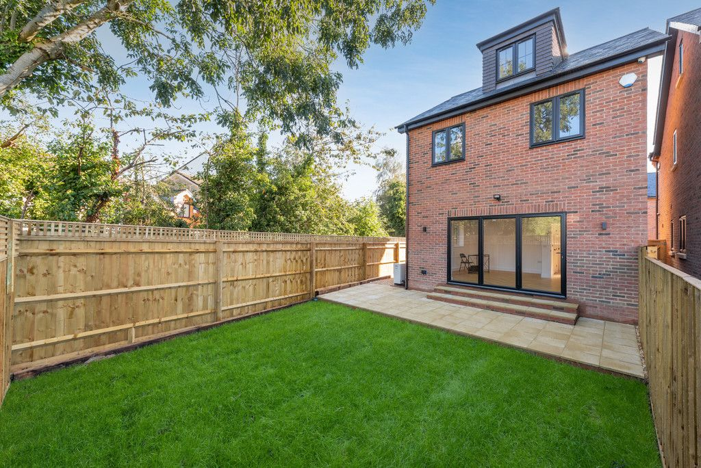 4 bed house for sale in The Coppice, Stokenchurch  - Property Image 2