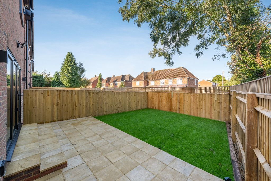 4 bed house for sale in The Coppice, Stokenchurch  - Property Image 3