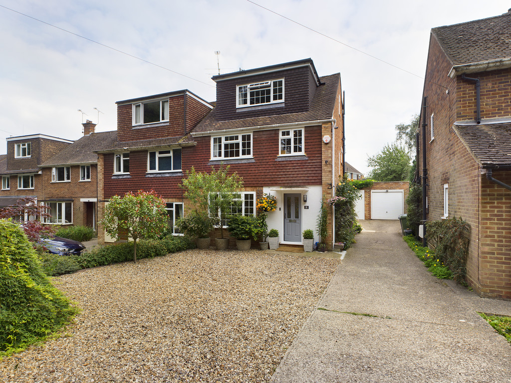 5 bed house for sale in The Warren, Hazlemere, HP15