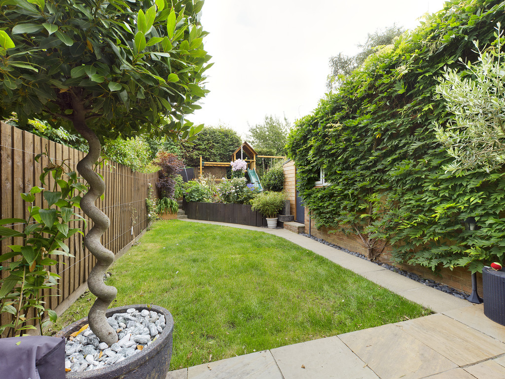 5 bed house for sale in The Warren, Hazlemere  - Property Image 2