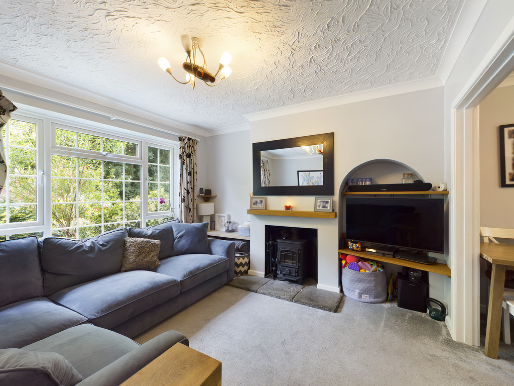 5 bed house for sale in The Warren, Hazlemere  - Property Image 11