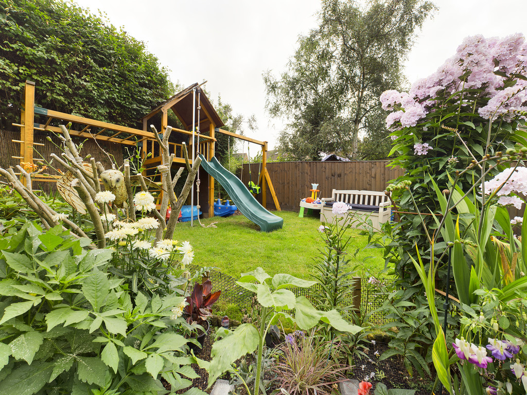 5 bed house for sale in The Warren, Hazlemere  - Property Image 12
