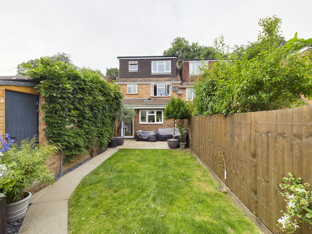 5 bed house for sale in The Warren, Hazlemere 9