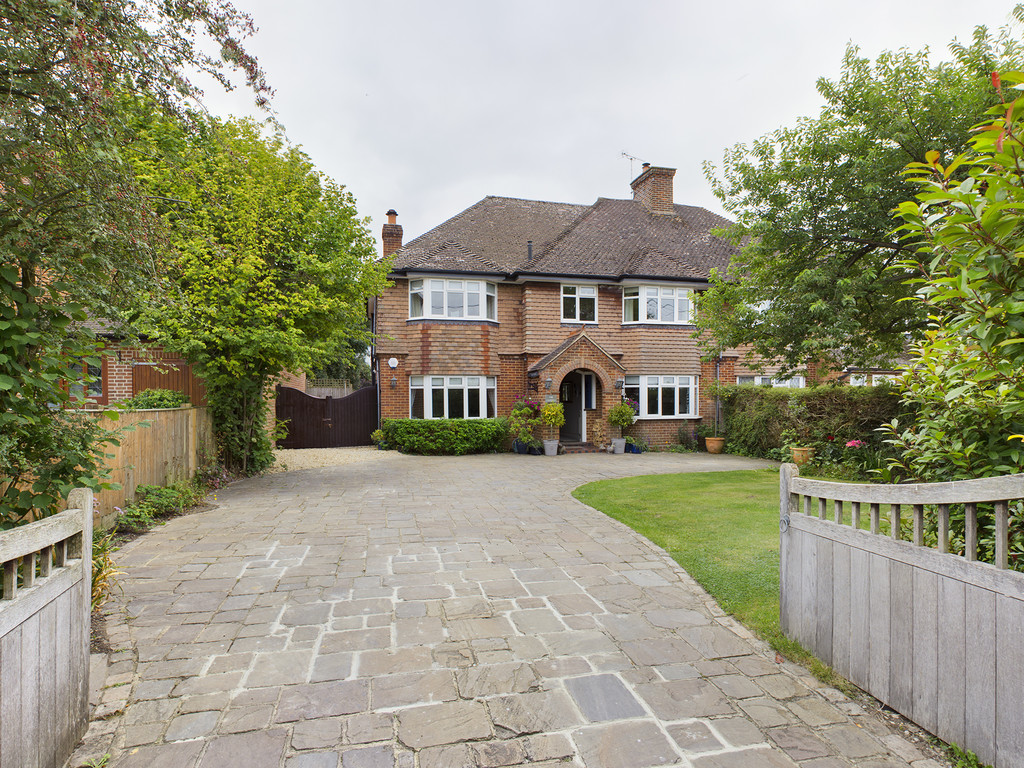 5 bed house for sale in Shootacre Lane, Princes Risborough, HP27