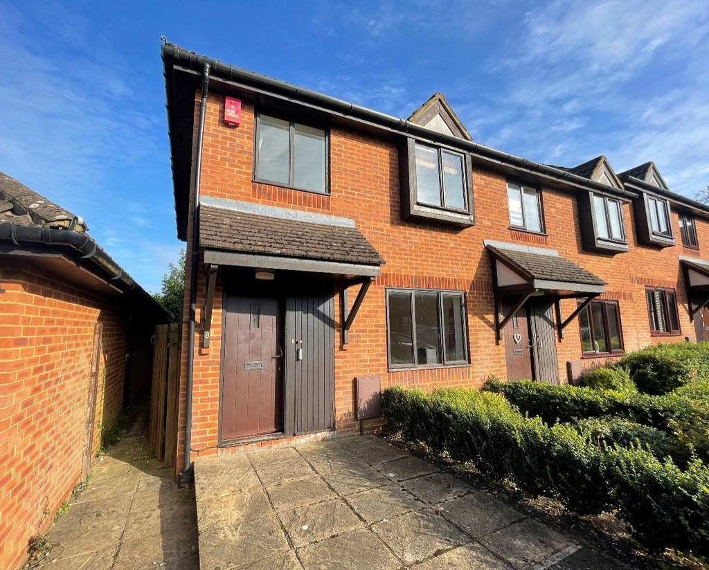 3 bed house for sale in Darlington Close, Amersham, HP6