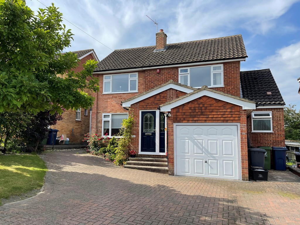 4 bed house for sale, HP11