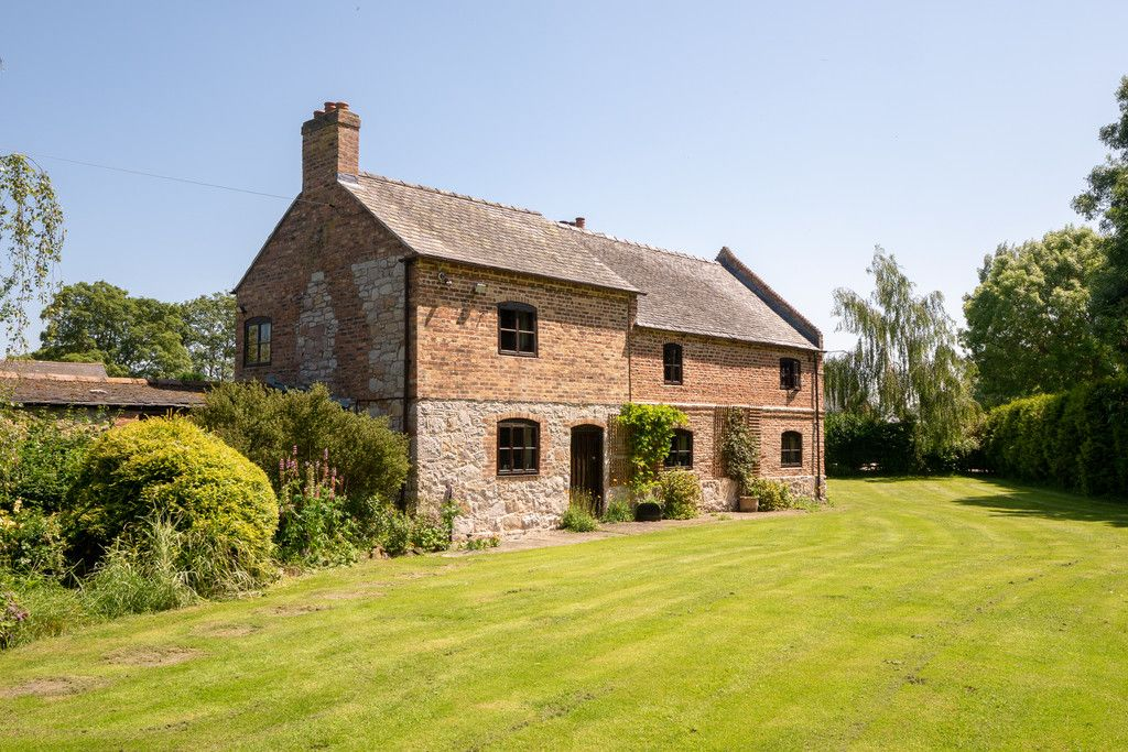 6 bed  for sale in Maesbrook, Oswestry 1